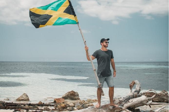 Bandera de Jamaica (Joey Nocotra Unsplash)
