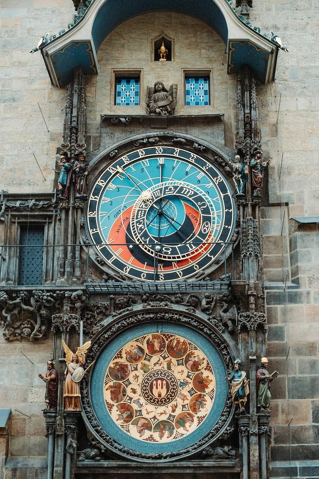 Reloj astronómico de Praga (Samur Isma Unsplash)