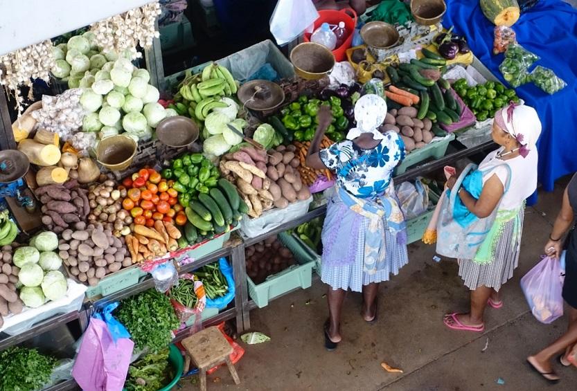 mercado en praia
